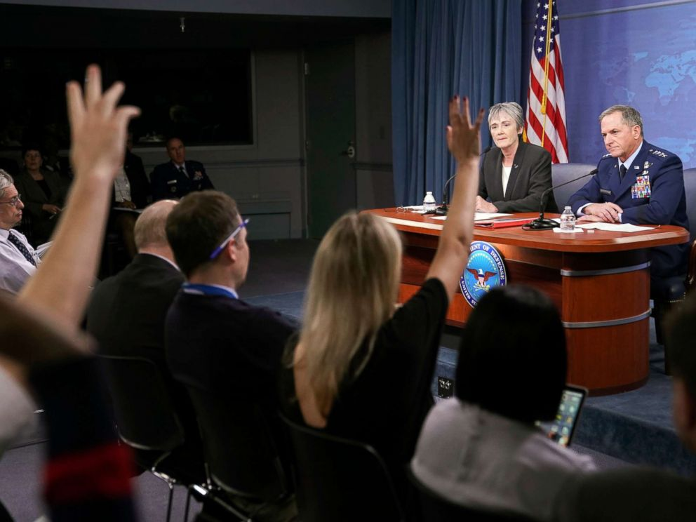 PHOTO: Journalist raise their hands during a news briefing by Gen. David L. Goldfein, far right, Chief of Staff of the U.S. Air Force and Air Force Secretary Heather Wilson at the Pentagon, Nov. 9, 2017.