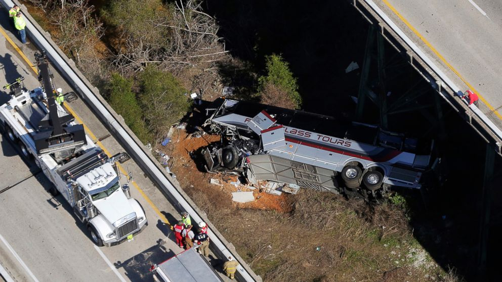 http://a.abcnews.com/images/US/alabama-bus-crash-04-ap-jrl-180313_16x9_992.jpg