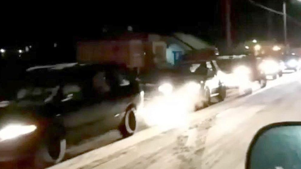 http://a.abcnews.com/images/US/alaska-earthquake-evacuation-01-ht-jef-180123_16x9_992.jpg