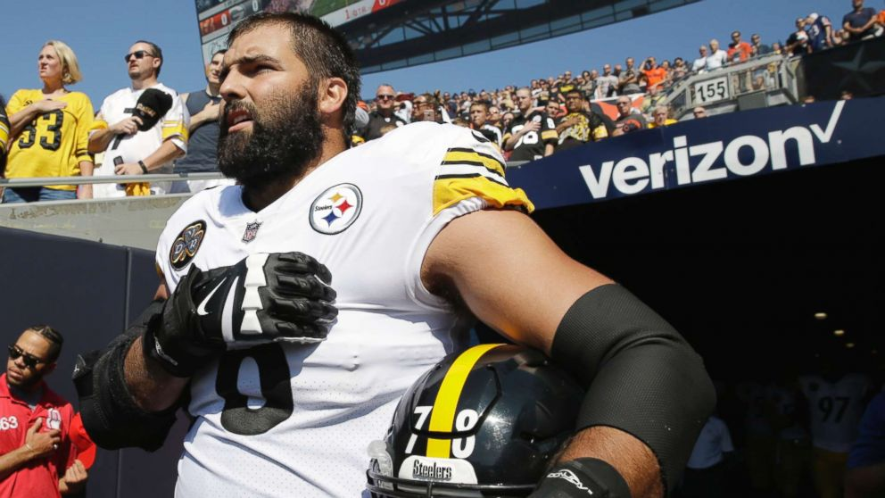 Steelers tackle apologizes for 'embarrassing' solo national anthem moment