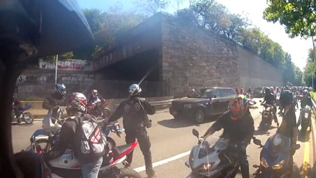 Bikers In Nyc Video SUV Driver in New York