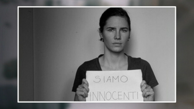 "VIDEO: A photograph tweeted by Amanda Knox reads ""SIAMO INNOCENTI"" or ""We Are Innocent."""