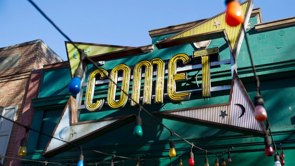 'Pizzagate' gunman pleads guilty to two charges