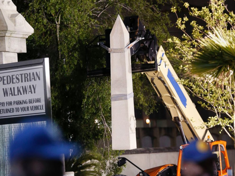 PHOTO: Workers dismantle the Liberty Place monument, which commemorates whites who tried to topple a biracial post-Civil War government, in New Orleans, April 24, 2017.