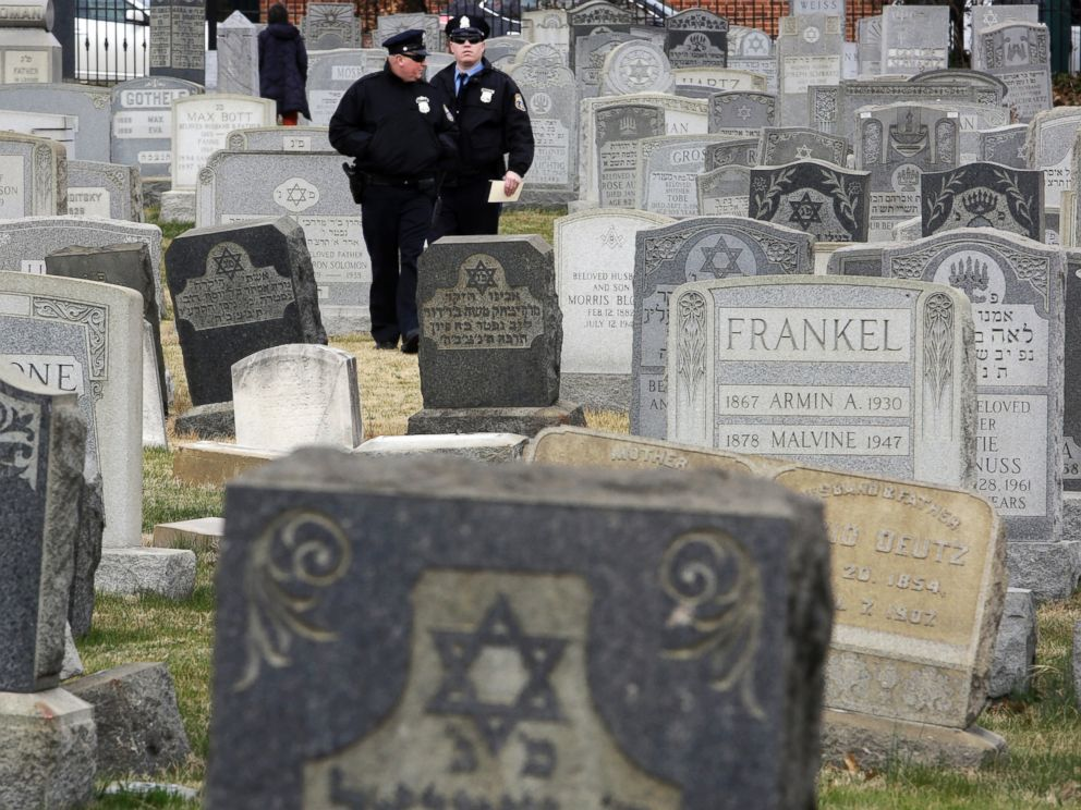 PHOTO: Philadelphia Police walk through Mount Carmel Cemetery, Monday, Feb. 27, 2017, in Philadelphia.