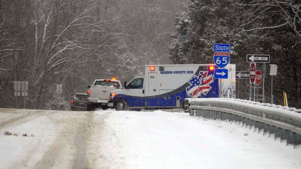 http://a.abcnews.com/images/US/ap-snow-kentucky-mo-20180117_16x9_992.jpg