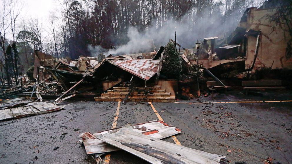 http://a.abcnews.com/images/US/ap-wildfire-2-er-161201_16x9_992.jpg
