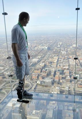 Zac Vawter Climbs Willis Tower