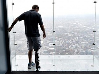 Photos: Zac Vawter Climbs 103 Floors With Bionic Leg