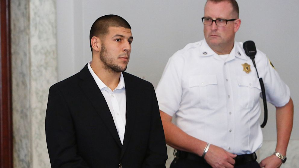 PHOTO: Aaron Hernandez in court