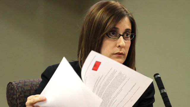 PHOTO: Andrea Sneiderman testifies during the trial of Hemy Neuman Feb. 21, 2012 in Atlanta.