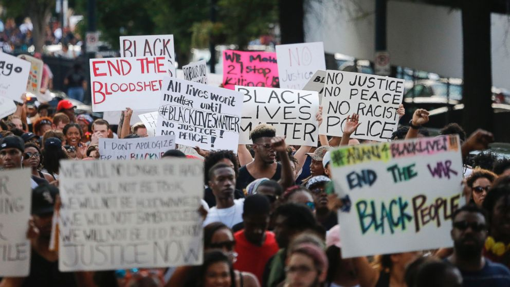 Thousands of Protesters Gather in US Cities After Dallas Shooting