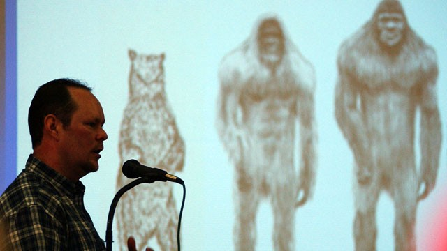 PHOTO: Daryl Colyer, lead field researcher for the Texas Bigfoot Research Center, delivers the kickoff presentation, Oct. 15, 2005, at the Texas Bigfoot Conference in Jefferson, Texas.