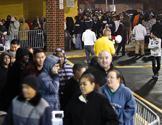 Black Friday Shoppers Hit Stores