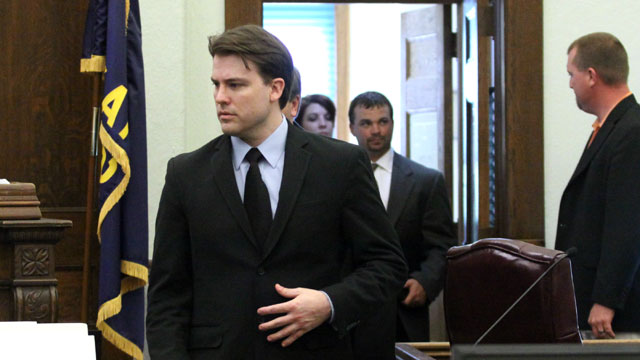 PHOTO: Brett Seacat walks back into the courtroom after a break in his trial, June 6, 2013, in Kingman, Kan.