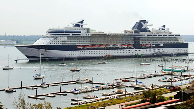 PHOTO: Celebrity Summit cruise ship