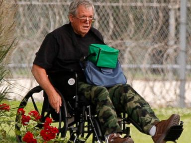 Former Speaker Dennis Hastert Reports to Prison in Wheelchair