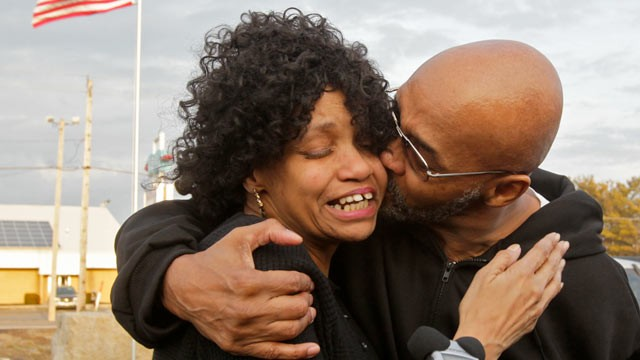 PHOTO: Former Akron Police Capt. Doug Prade, right, kisses his sister Yvonne during a news conference after his release from the Madison Correctional Institution, Jan. 29, 2012 in London, Ohio. Prade, who spent nearly 15 years in prison in his ex-wifes k