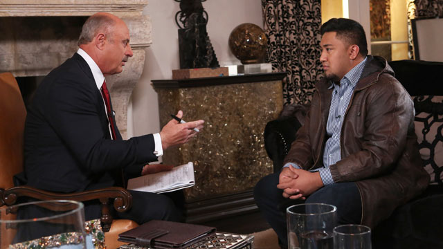 "PHOTO: Talk show host Dr. Phil McGraw, interviews Ronaiah Tuiasosopo during taping for the ""Dr. Phil Show"" in Los Angeles, Jan. 24, 2013."