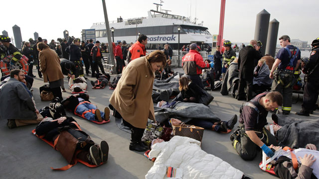 PHOTO: Victims of the Seastreak Wall Street ferry accident are aided by rescue personnel, Jan. 9, 2013 in New York.
