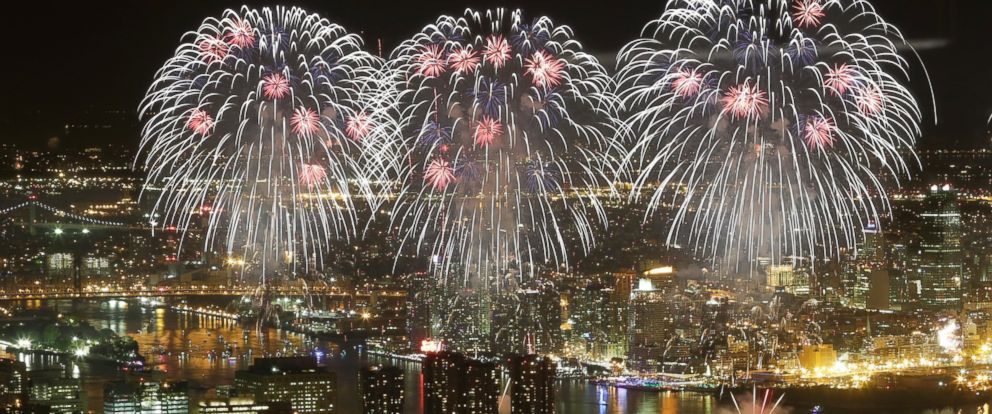 PHOTO: Macys Fourth of July fireworks light up the sky over the East River, Saturday, July 4, 2015 in New York in a view from One World Observatory.