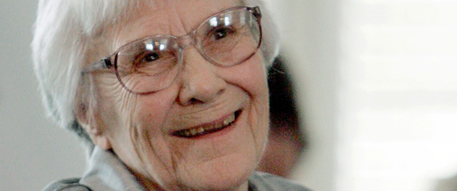 PHOTO: Harper Lee smiles during a ceremony honoring the four new members of the Alabama Academy of Honor at the Capitol in Montgomery, Ala., Aug. 20, 2007.