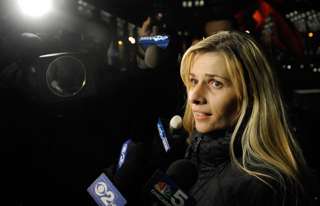 PHOTO: Bartender Karolina Obrycka, who was beaten in February 2007 by off-duty Chicago police officer Anthony Abbate, talks to the media in Chicago, Nov. 13, 2012.