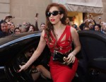 PHOTO: Lady Gaga arrives at the Versace atelier in Milan, on Oct. 1, 2012.
