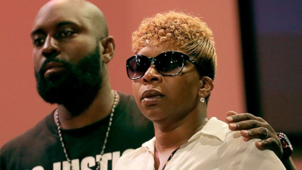 http://a.abcnews.com/images/US/ap_lesley_mcspadden_michael_brown_mother_jc_140818_16x9_608.jpg