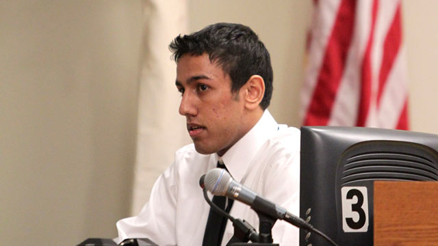 PHOTO: Rutgers student Lokesh Ojha testifies during the trial of Dharun Ravi at the Middlesex County Courthouse Feb. 29, 2012 in New Brunswick, N.J.