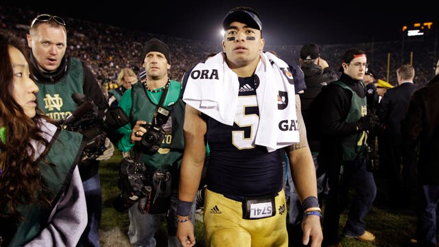 PHOTO: Notre Dame linebacker Manti Te'o walks off the field following an NCAA college football game against Wake Forest in South Bend, Ind., Nov. 17, 2012.