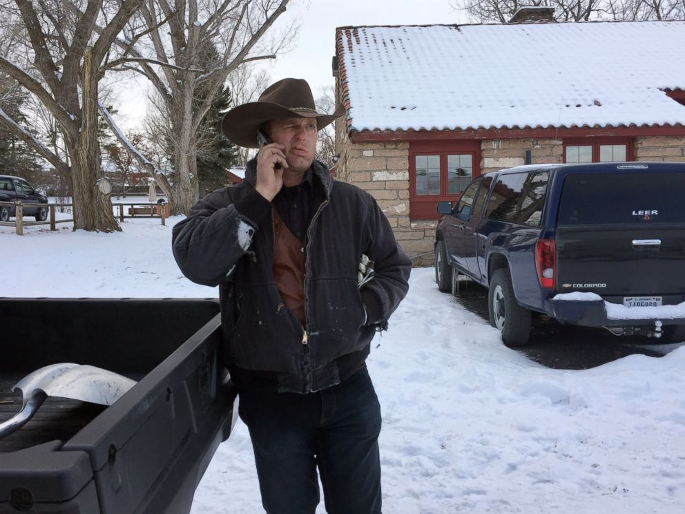 PHOTO: Ryan Bundy talks on the phone at the Malheur National Wildlife Refuge near Burns, Ore., Sunday, Jan. 3, 2016.
