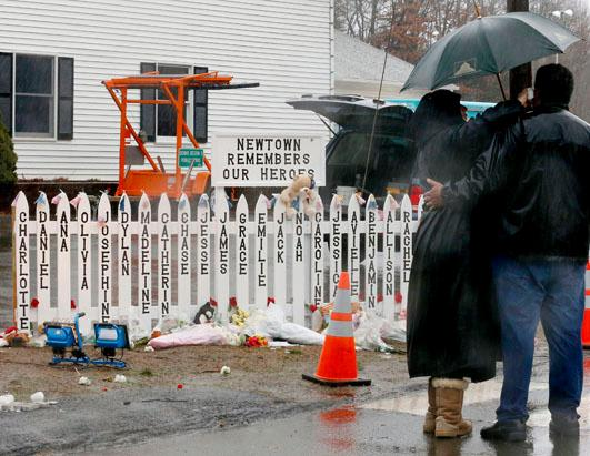 Community Remembers Sandy Hook School Victims