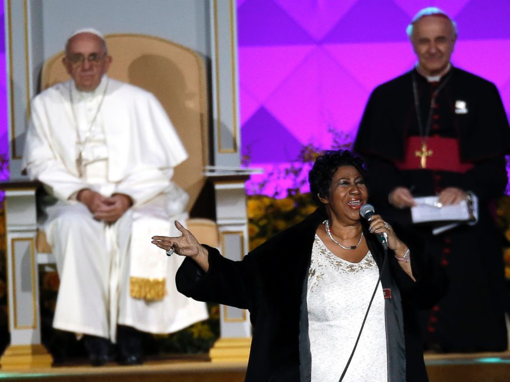 PHOTO: Aretha Franklin performs as Pope Francis is seated nearby during the Festival of Families, Sept. 26, 2015, in Philadelphia.