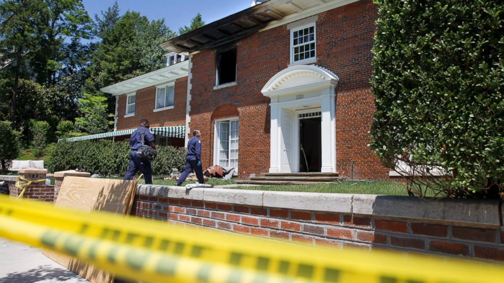 Dc mansion murders investigators find apparently bloody for Buy house in dc