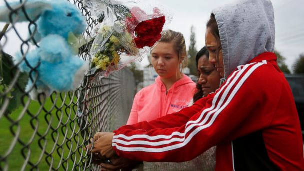 http://a.abcnews.com/images/US/ap_school_shooting_ds_141015_16x9_608.jpg