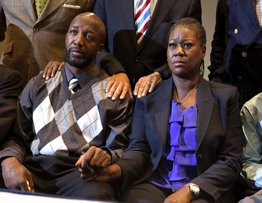 Trayvon Martin Case: Crime Scene and Other Photos