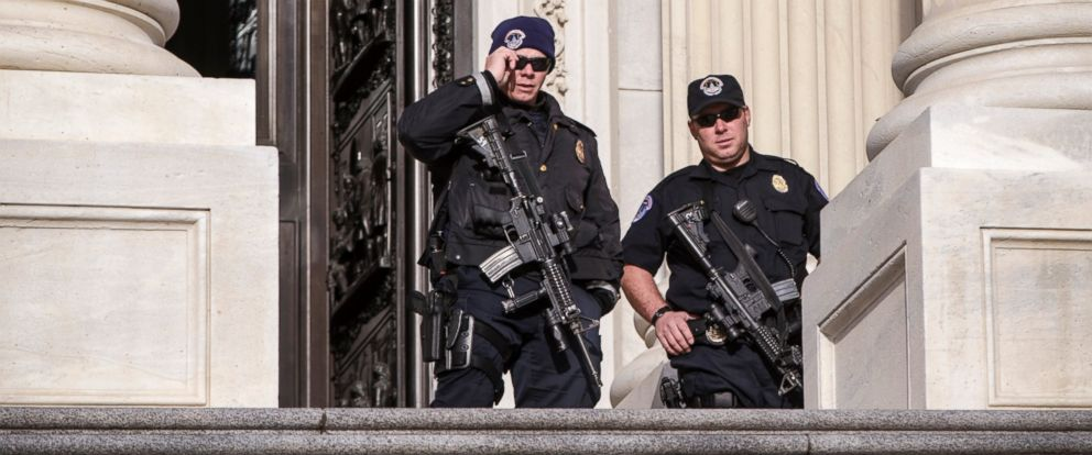 PHOTO: U.S. Capitol Police officers stand guard outside at the entrance to the House of Representatives on Capitol Hill in Washington, March 22, 2016.