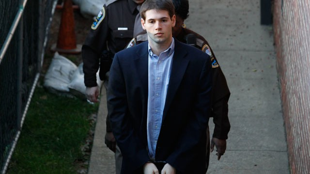 PHOTO: George Huguely is escorted to Charlottesville Circuit Court by members of the Sheriff's Office for the start of his trial in Charlottesville, Va, Feb. 9, 2012.