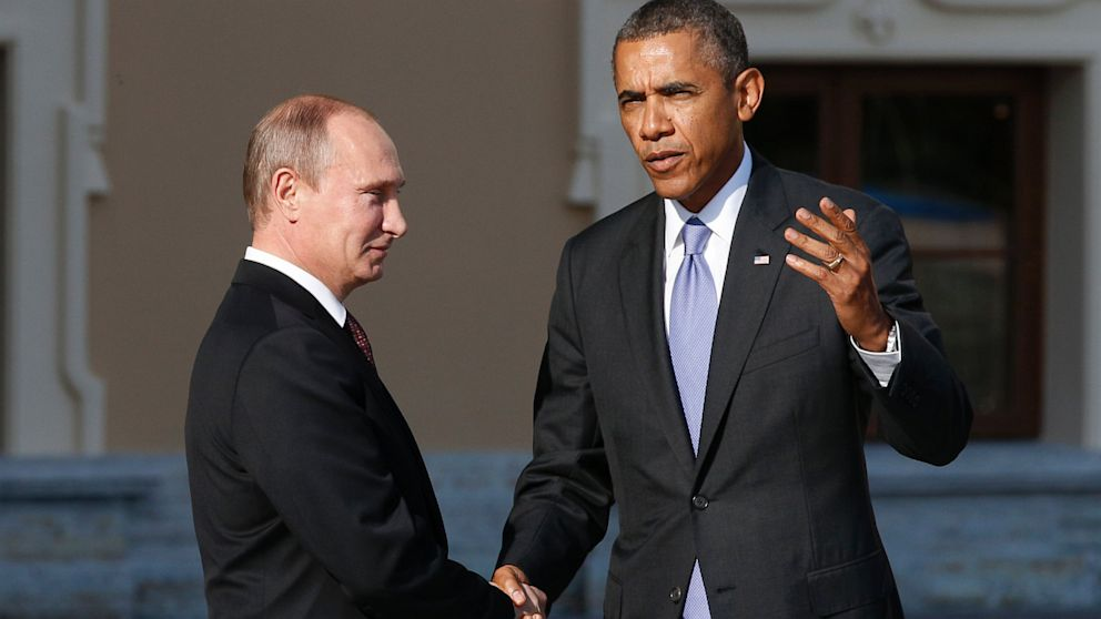 PHOTO: Vladimir Putin and Barack Obama arrive for G-20