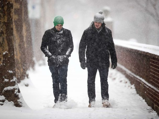Northeast, Midwest hit by blast of cold air as Great Lakes region braces for snow