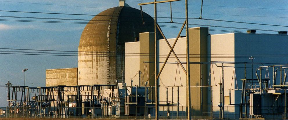PHOTO: This Jan. 11, 2000, file photo shows the Wolf Creek Nuclear power plant near New Strawn, Kan., which went online in 1985.