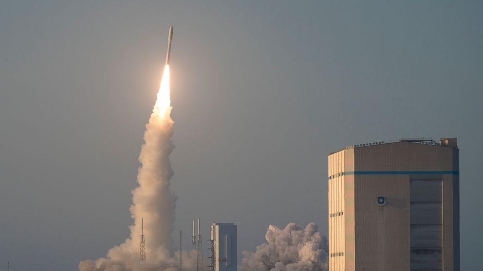 http://a.abcnews.com/images/US/atlas-v-rocket-launch-ht-jc-180618_hpMain_16x9_992.jpg