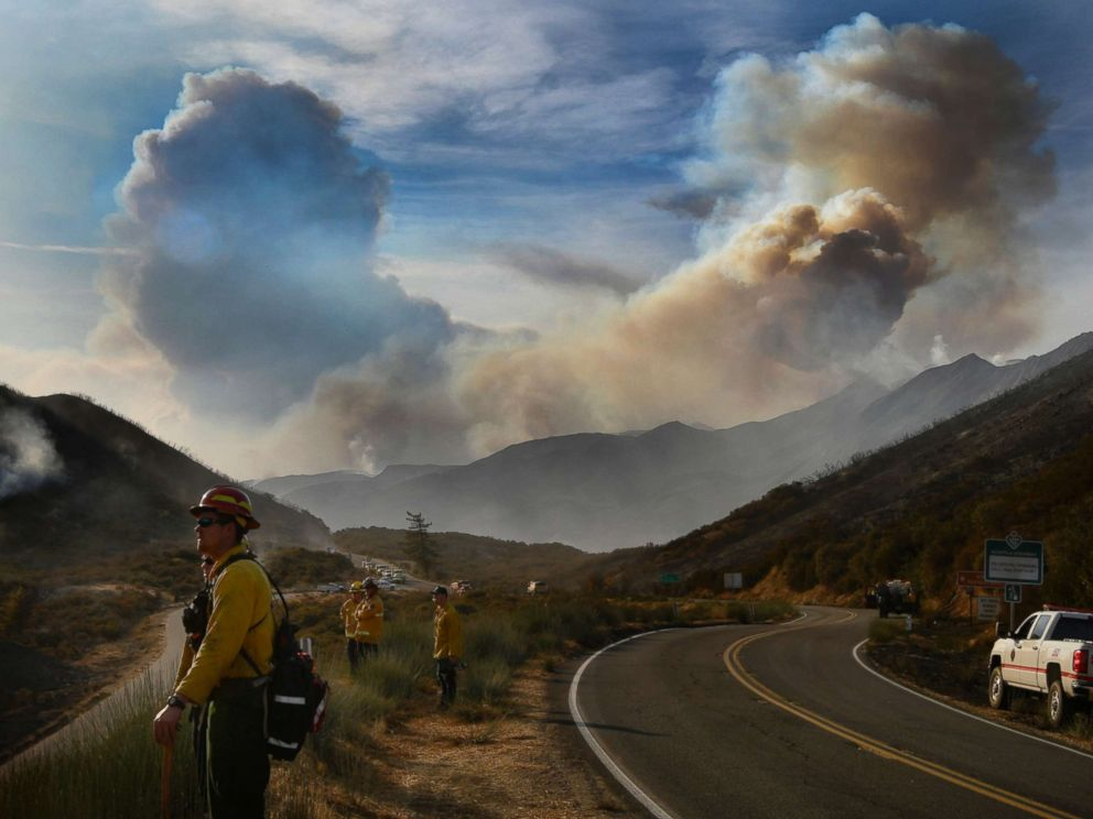 PHOTO: Huge smoke clouds rise into the sky at the Thomas fire, Dec. 9, 2017 at Los Padres National Forest in California.