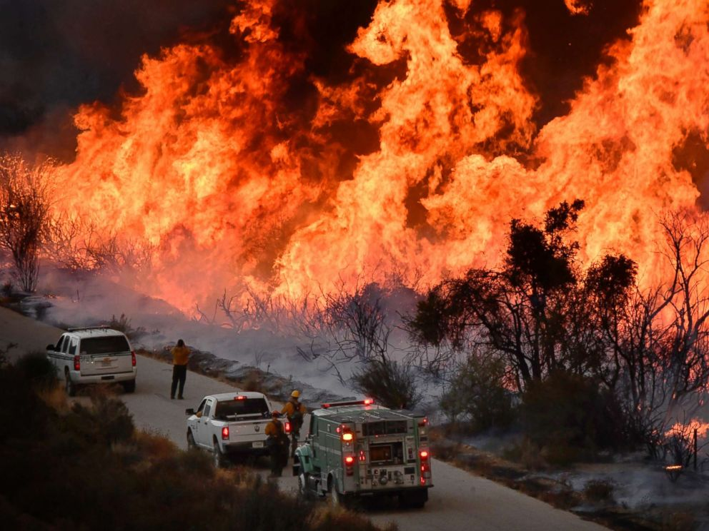 PHOTO: U.S. forest fire crews fight fire with fire as they set off huge backfires to cut off the northern flank of the Thomas fire near Rose Valley recreation area in Los Padres National Forest in California, Dec. 9, 2017.