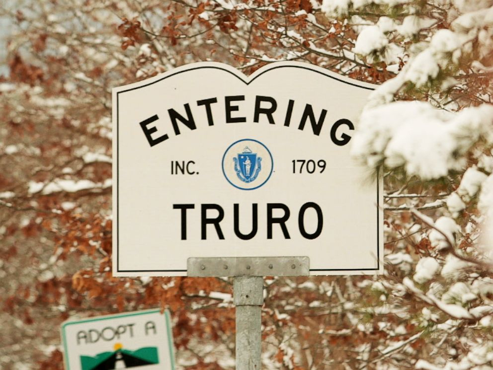 PHOTO: The welcome sign for the town of Truro, Mass.