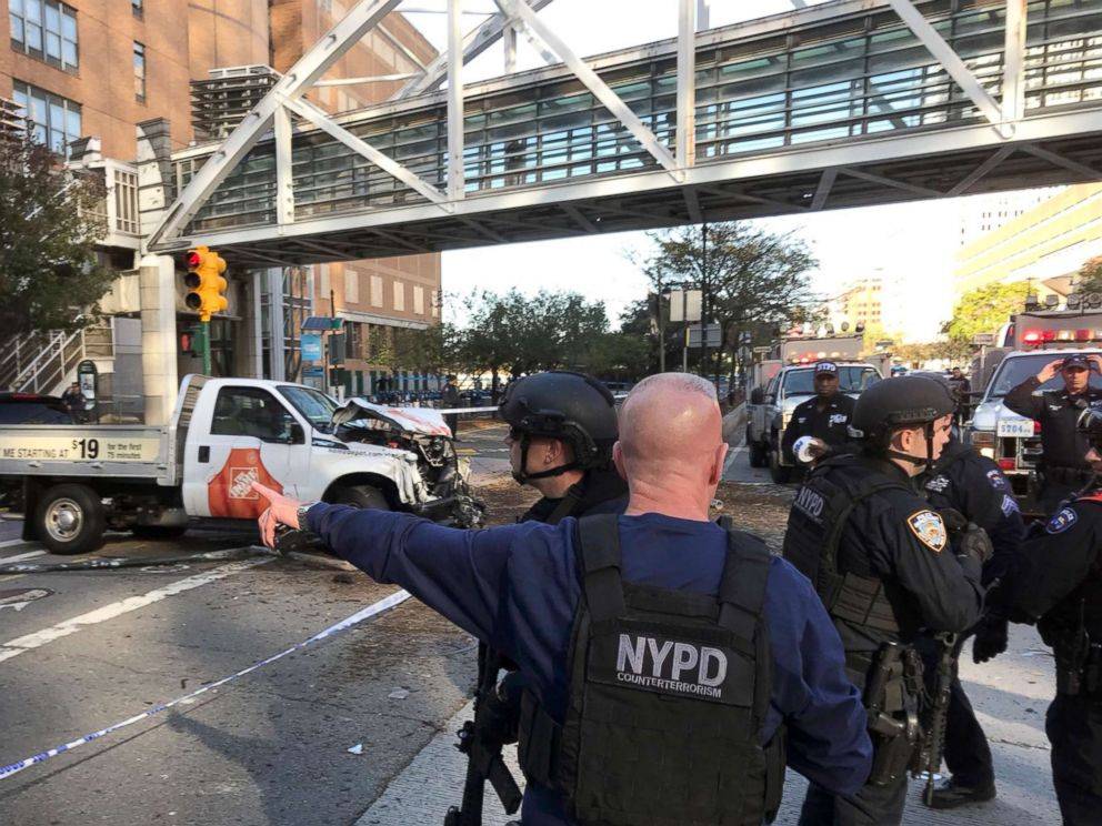 PHOTO: New York City Police Officers respond to a report of gunfire along West Street near the pedestrian bridge at Stuyvesant High School in lower Manhattan in New York, Oct. 31, 2017.
