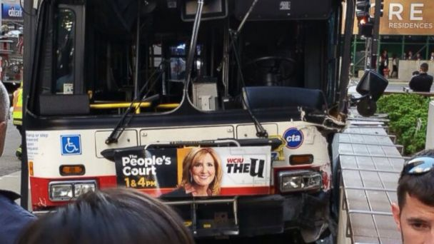 http://a.abcnews.com/images/US/chicago_bus_crash_150602_16x9_608.jpg