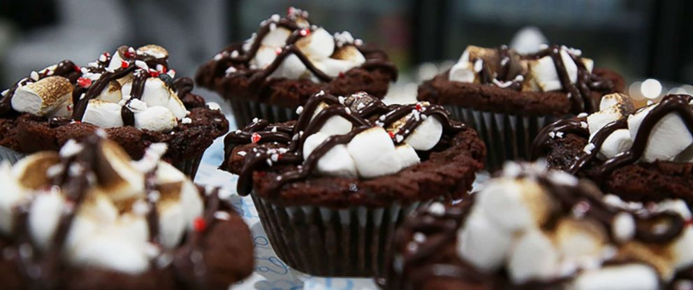 """PHOTO: Kristen Tomlan, the founder of Do, a New York City bakery, shared her recipe for peppermint hot cocoa cookie dough bombs with """"GMA."""""""