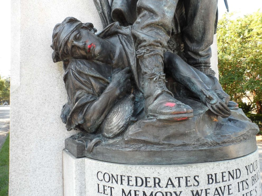 confederate-monuments-02-ap-jc-170817_4x